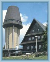 Chata z  wieżą widokową